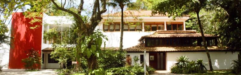 foto da fachada do Museu Casa do Pontal